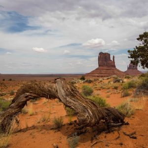 Najao, Monument Valley, Three sisters, totem, Mesa